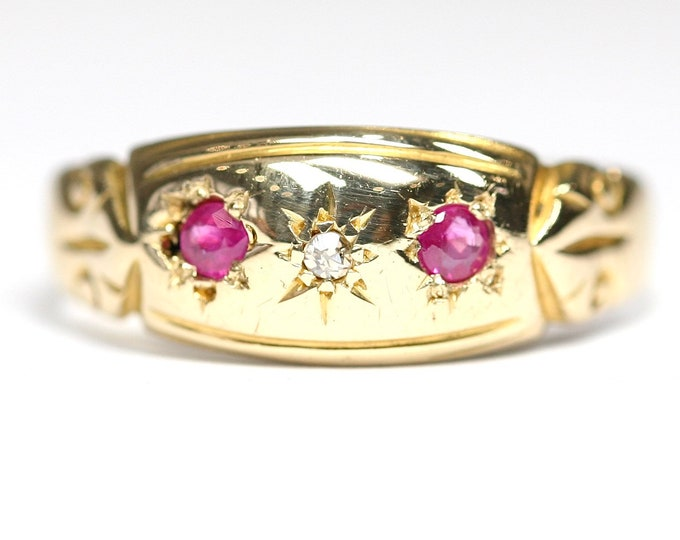 Superb antique Edwardian 18ct gold Diamond and Ruby ring - fully hallmarked - size R or US 8 1/2