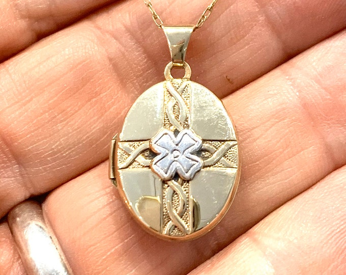 Stunning vintage 9ct gold 4 Leaf Clover Locket Necklace - fully hallmarked