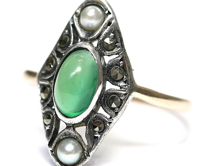 Superb original antique Art Deco 9ct gold and silver ring with Chalcedony, Pearl and Marcasite - size P or US 7 1/2