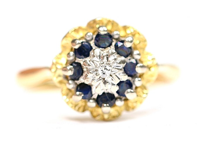 Superb vintage 18ct gold Diamond & Sapphire cluster ring - stamped 18CT - size M or US 6