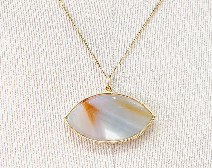 Stunning vintage 9ct gold 18 inch Agate pendant necklace