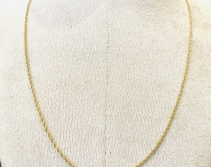 Vintage 9ct yellow gold 24 inch chain - fully hallmarked