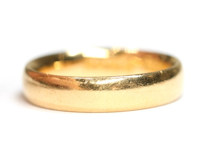 Antique 22ct gold court shaped wedding ring - hallmarked Birmingham 1924 - size i 1/2 or US 4 1/2
