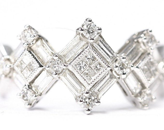 Fabulous 18ct white gold 0.89 carat Diamond ring - fully hallmarked - size N or US 6 1/2
