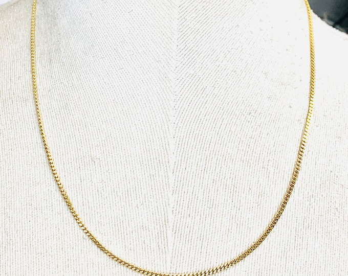 Superb vintage 9ct yellow gold 18 inch curb link chain - fully hallmarked - 5.8gms