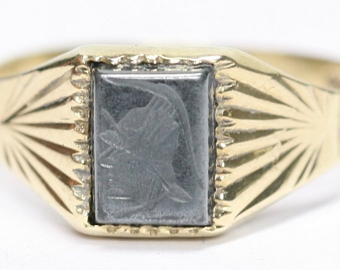 Vintage 9ct gold carved Hematite signet or pinky ring - Birmingham 1988 - size P or US 7 1/2