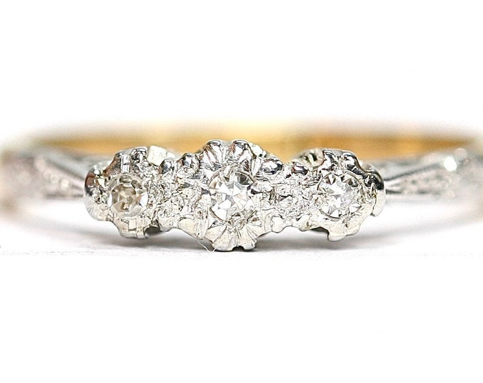 Antique 18ct gold and Platinum Diamond trilogy ring / engagement ring - size J or US 4 3/4