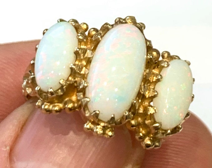 Fabulous huge vintage 9ct yellow gold Opal trilogy Statement ring - hallmarked Birmingham 1992 - size R or US 8 1/2