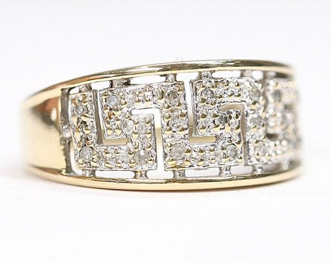 Stunning sparkling vintage 9ct gold Diamond Greek Key ring - fully hallmarked - size N or US 6 1/2