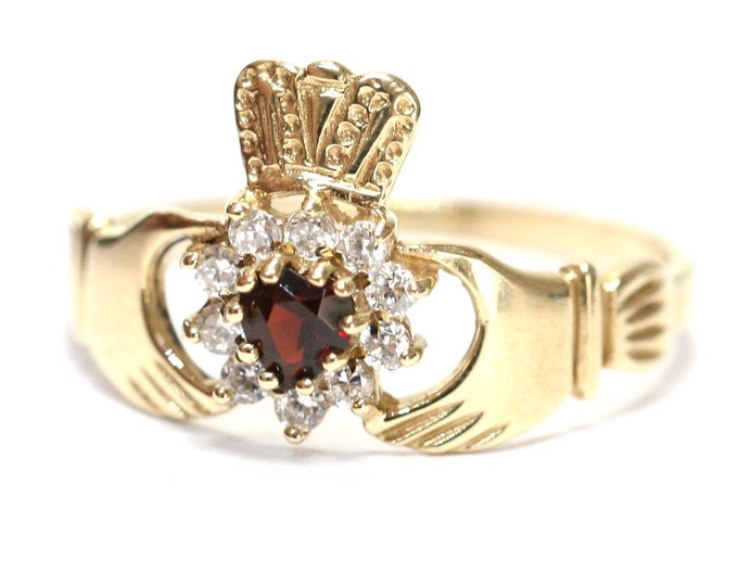 Superb sparkling vintage 9ct gold Cubic Zirconia Claddagh ring - fully hallmarked - size S or US 9
