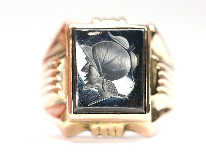Superb heavy 18ct gold carved Hematite signet ring - fully hallmarked - size U or US 10 1/4 - 10.5gms