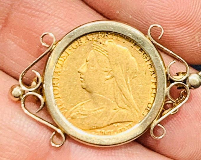 Victorian 22ct gold half Sovereign brooch - Dated 1899