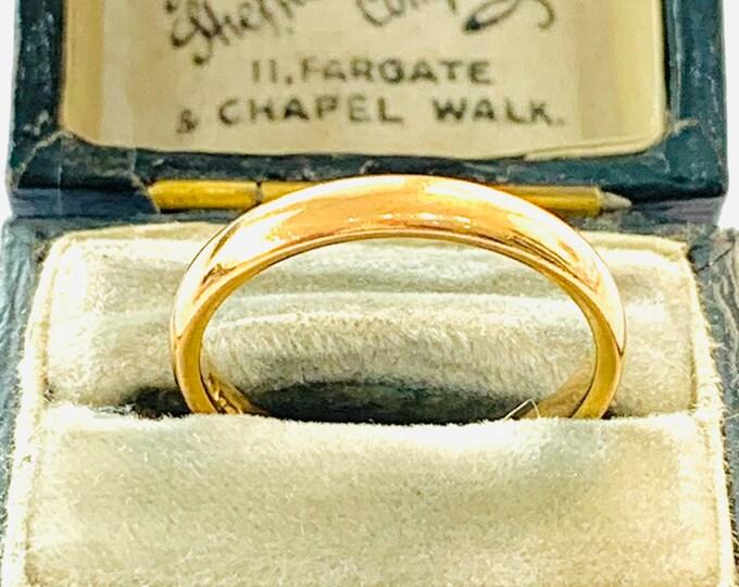 Antique 22ct gold wedding ring - hallmarked Birmingham 1930 - size M / 6