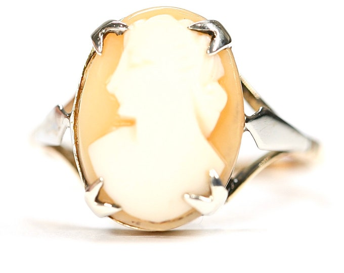 Antique 9ct gold carved shell Cameo ring - stamped 9CT - size M or US 6