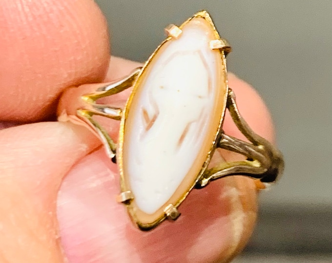 Please read *** Antique 9ct rose gold cameo ring - stamped 9ct - size P or US 7.5