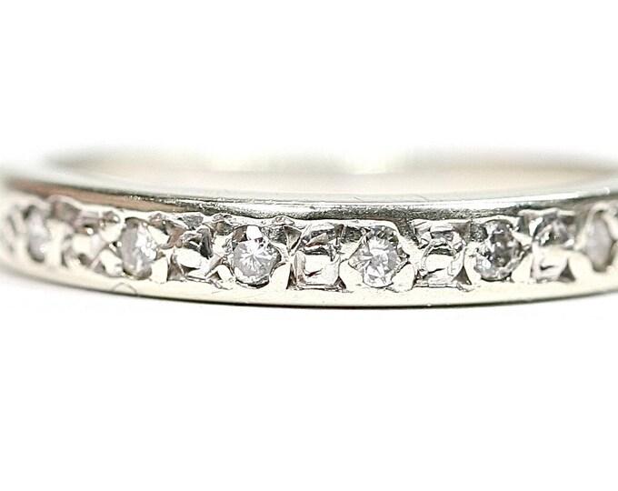 Sparkling vintage 9ct white gold Diamond half eternity ring - fully hallmarked - size i or US 4.25