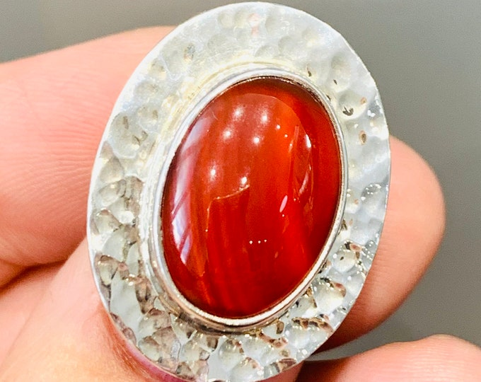 Stunning large sterling silver ring with Carnelian- fully hallmarked - size K or US 5 1/4