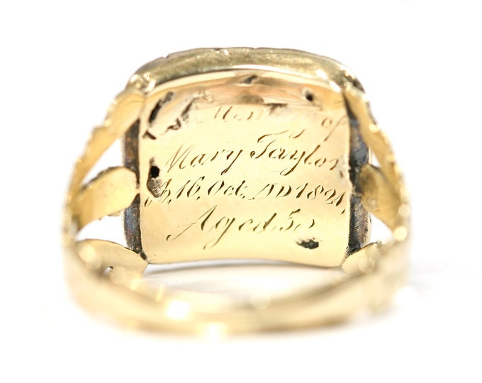 Stunning antique 198 year old Georgian 15ct gold Carnelian mourning ring - inscribed 1821 - size J or US 4 1/2