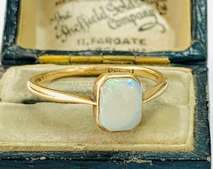 Stunning antique Edwardian 9ct gold Opal ring - hallmarked Chester 1902 - size R or 8 1/2