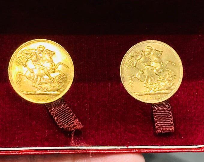 Superb pair of George V 22ct gold full Sovereigns cased - 1913 and 1915