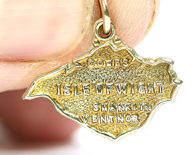 Vintage 9ct yellow gold Isle of Wight pendant or charm - hallmarked Birmingham 1969