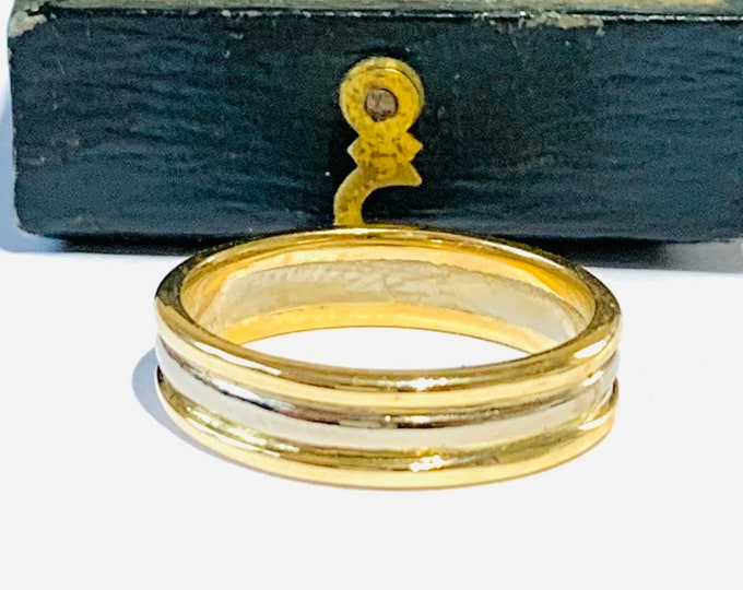 Stunning vintage 18ct white and yellow gold band / wedding ring - fully hallmarked - size M - 6