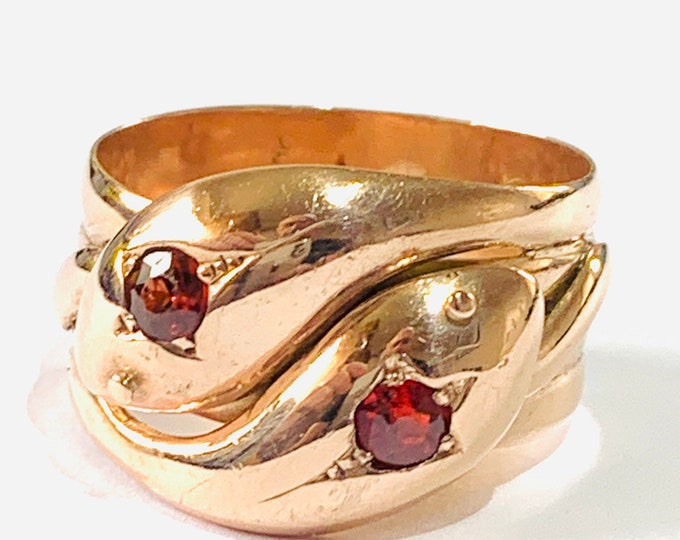 Fabulous antique 100 year old 9ct rose gold Serpent ring with Garnets. Hallmarked London 1919 - size U / 10