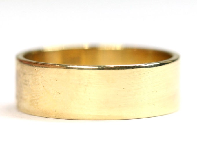 Superb heavy vintage 18ct gold wedding ring - hallmarked Birmingham 1971 - size N or US 6 1/2