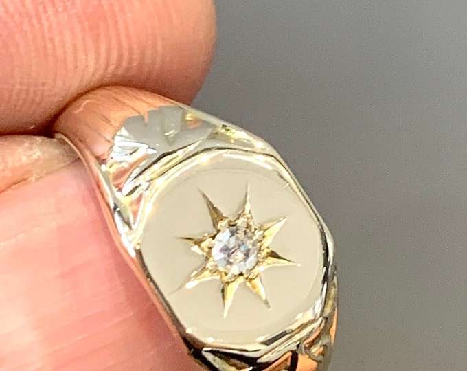Superb antique 9ct gold Diamond signet or pinky ring- hallmarked Birmingham 1926 - size L or US 5 1/2 - 6gms