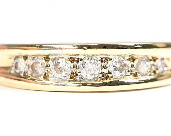 Superb vintage 18ct yellow gold 0.20 diamond engagement / wedding / eternity ring - size N or US 6 1/2