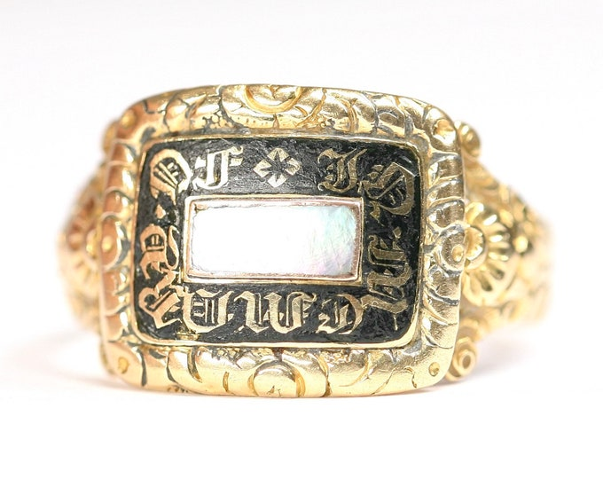 Reduced**A beautiful and rare 198 year old Georgian 18ct gold Mourning ring with a Mother of Pearl panel - London 1822 - size O or US 7