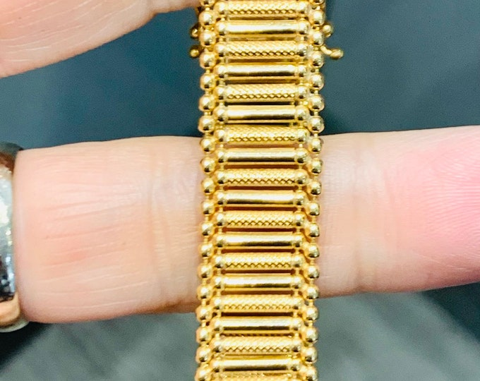 Superb vintage 9ct yellow gold 7 1/2 inch textured link bracelet - hallmarked Birmingham 1989 - 18.2gms
