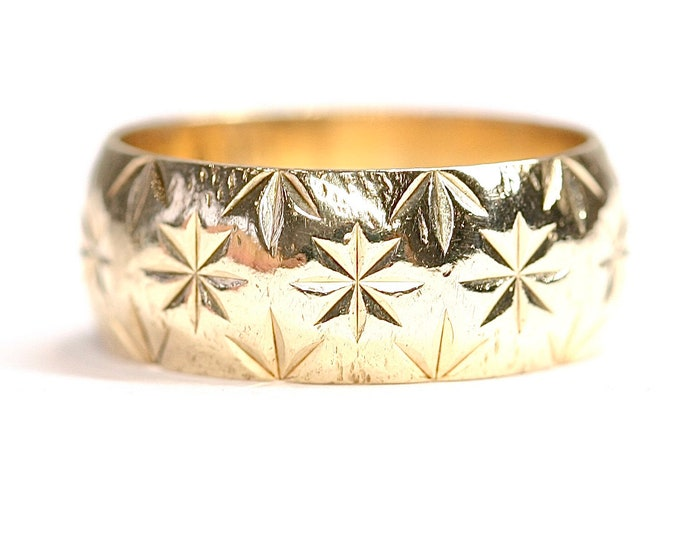 Vintage 9ct yellow gold patterned wedding ring - hallmarked London 1975 - size M or US 6