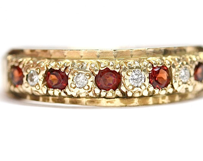 Stunning large size 9ct yellow gold Diamond & Garnet ring - fully hallmarked - size U or US 10 1/4