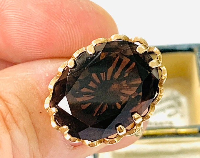 Superb large vintage 9ct gold Smokey Quartz statement ring - fully hallmarked - size O or 7