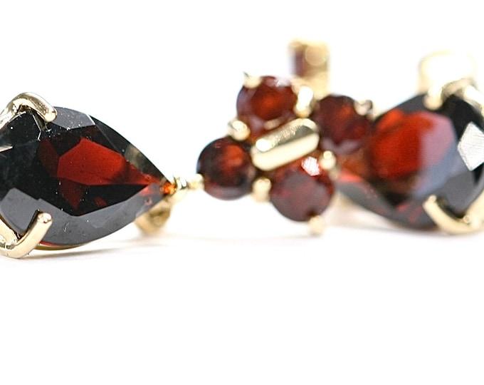 Stunning vintage 14ct gold Garnet dangle earrings - fully hallmarked