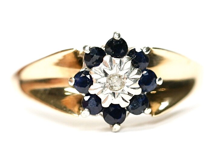 Stunning vintage 9ct yellow gold Diamond and Sapphire cluster ring - Birmingham 1975