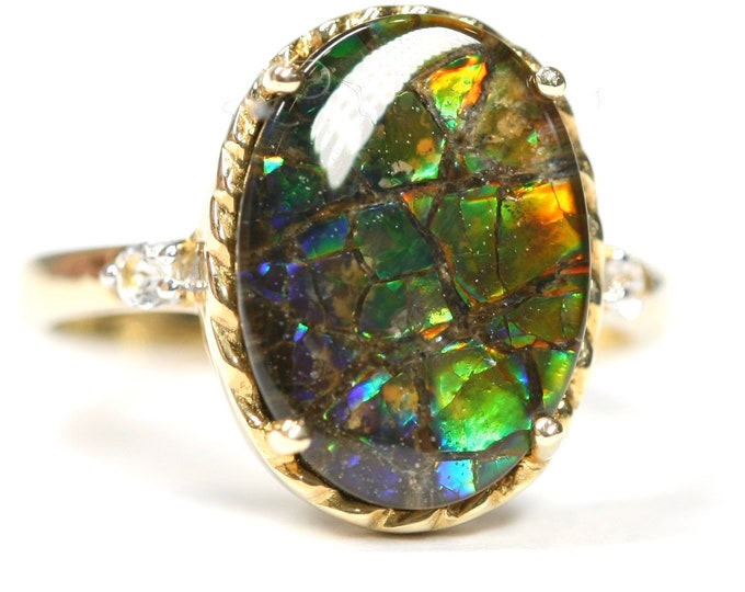 Beautifully coloured 9ct gold Ammolite statement ring - fully hallmarked with Certificate of Authenticity - size N or US 6 1/2