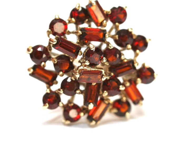 Stunning vintage 9ct gold Garnet statement ring - Birmingham 1976 - size N or US 6 1/2