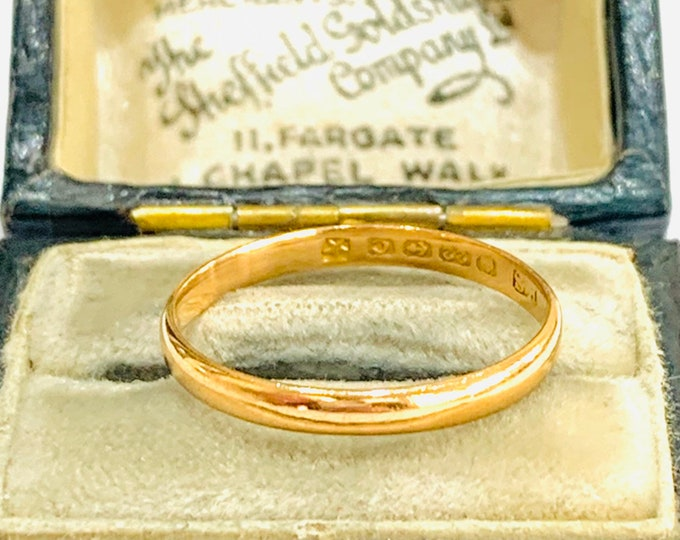 Antique 22ct gold wedding ring - hallmarked Birmingham 1927 - size N - 6 1/2