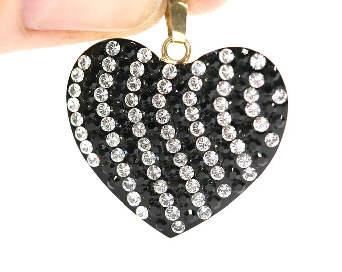 Vintage 9ct gold heart pendant with Cubic Zirconia - stamped 375