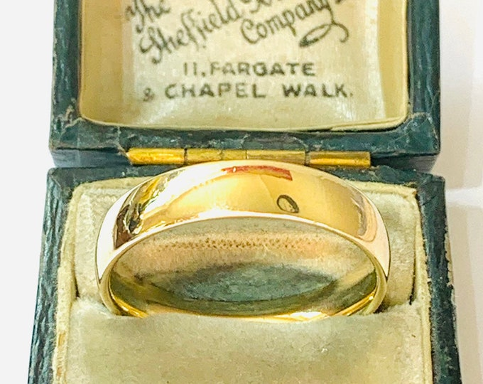Superb vintage 9ct yellow gold Men's wedding ring - fully hallmarked - size V or US 10 1/2