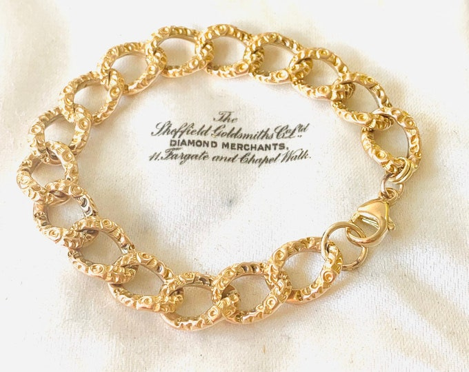 Stunning vintage 9ct gold 7 inch textured patterned bracelet with lobster claw fastener