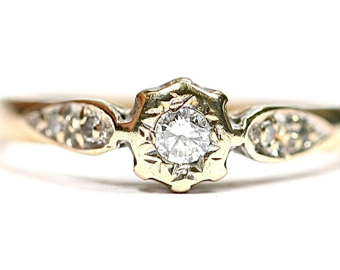 Vintage 9ct gold Diamond ring / engagement ring - hallmarked London 1991 - size M or US 6
