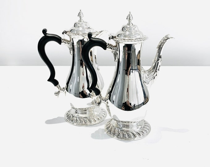 Fabulous rare antique sterling silver matching Coffee and Hot Water pot - London 1928 - Goldsmiths & Silversmiths Co
