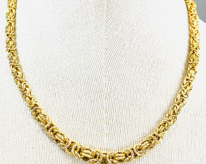 Fabulous heavy vintage 9ct yellow gold 18 inch graduated Byzantine link necklace - 26.5gms