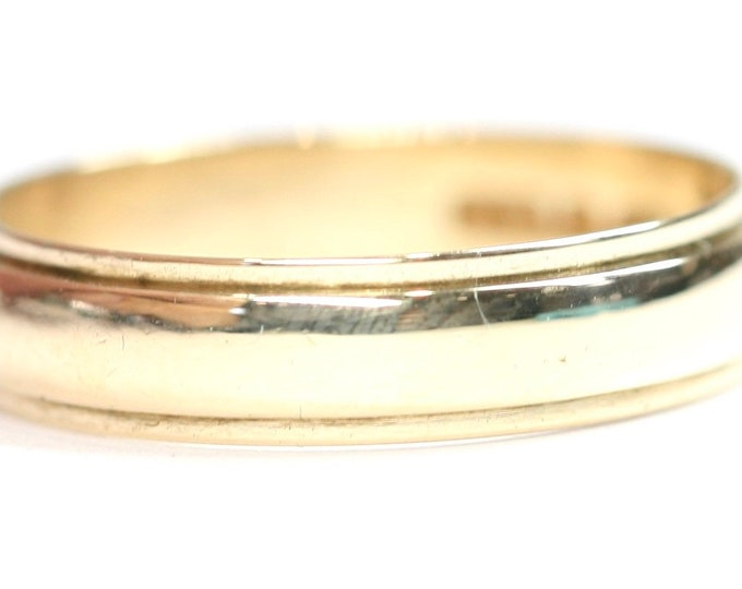 Vintage 9ct yellow gold Wedding ring - hallmarked London 1975 - size P or US 7.5
