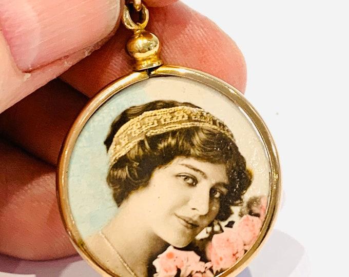 Stunning antique 9ct gold shell glass locket pendant - circa 1920