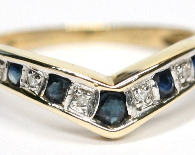 Stunning vintage 9ct gold Sapphire and Diamond wishbone ring - fully hallmarked - size L or US 5 1/2