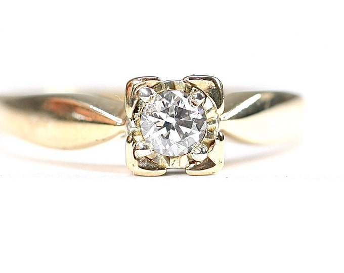 Superb vintage 9ct yellow gold 0.25 diamond engagement ring - fully hallmarked - size N or US 6 1/2